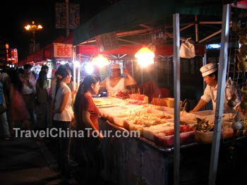 guilin night market shopping